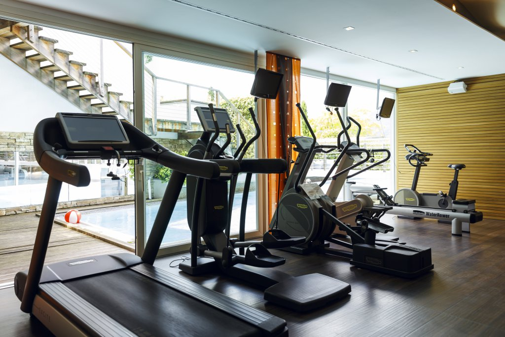 Fitnessraum hotel  Fitnessraum & Cardioraum im Wellnessurlaub - Wellnesshotel Erika